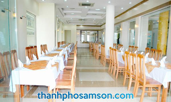 Phòng ăn tập thể nằm ngay tầng 1