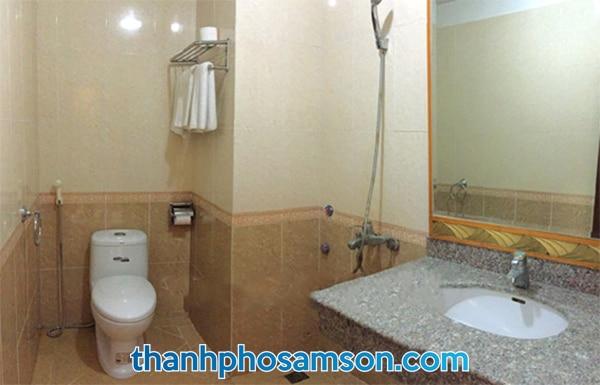 Phòng tắm khách sạn Hà Nội 1