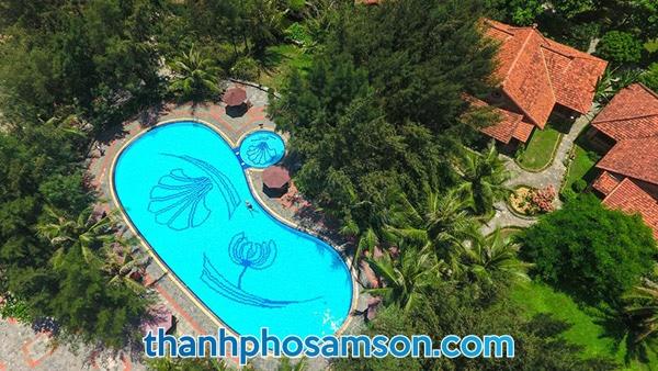 bể bơi 4 mùa tại vạn chài resort
