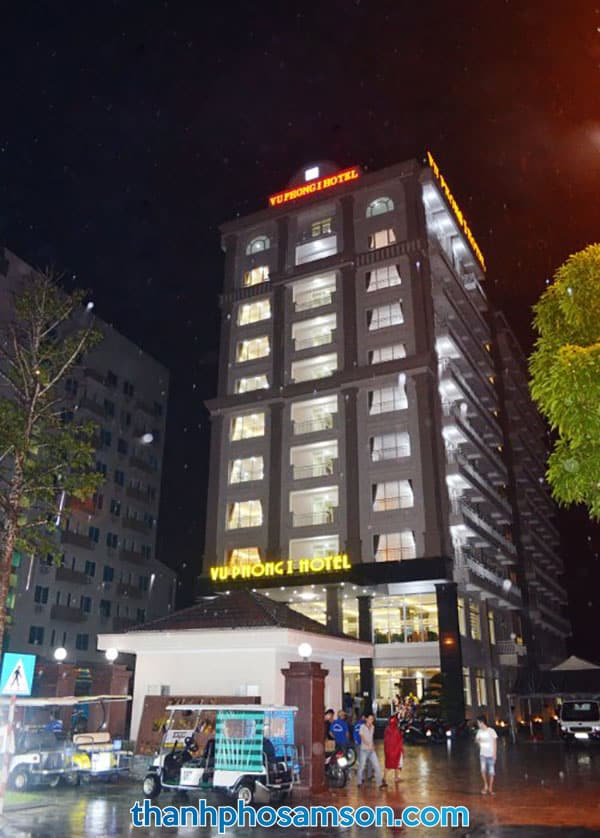 Khách sạn Vũ Phong chụp vào buổi tối