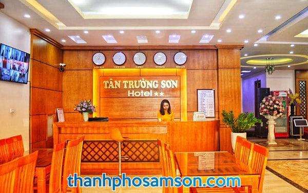 Lễ tân khách sạn Tân trường Sơn