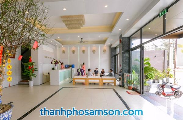 Lễ tân khách sạn Thanh Long Sầm Sơn