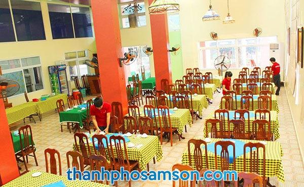 Phòng ăn ngay tại khách sạn