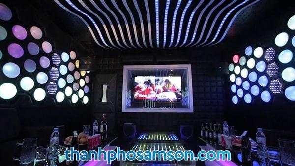 Phòng hát Karaoke tại khách sạn
