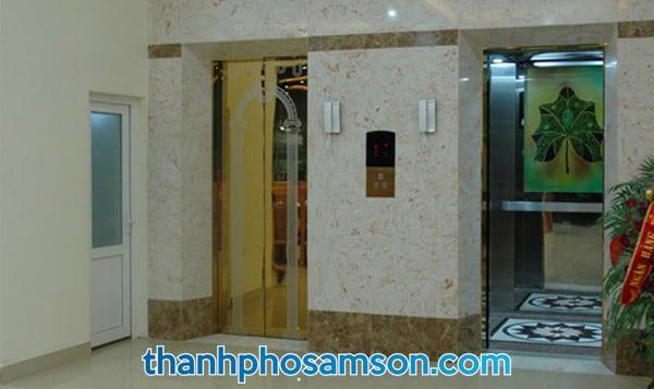 Khu vực thang máy tại khách sạn