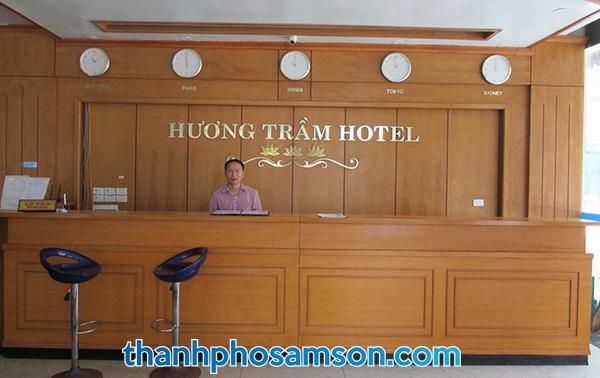 Lễ tân khách sạn Hương Trầm