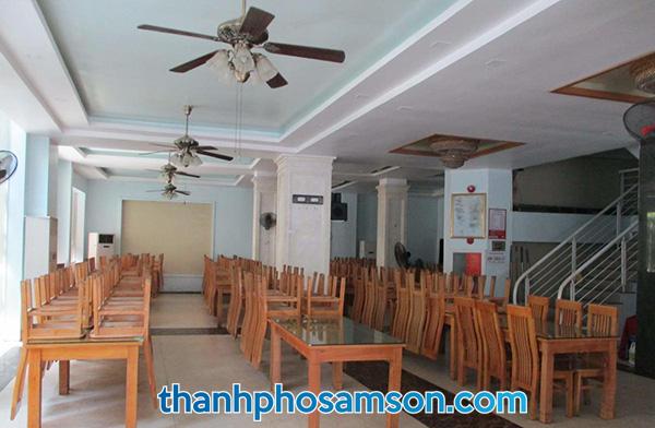 Phòng ăn khách sạn Hương Trầm