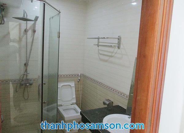 Phòng tắm tại khách sạn Hương Trầm